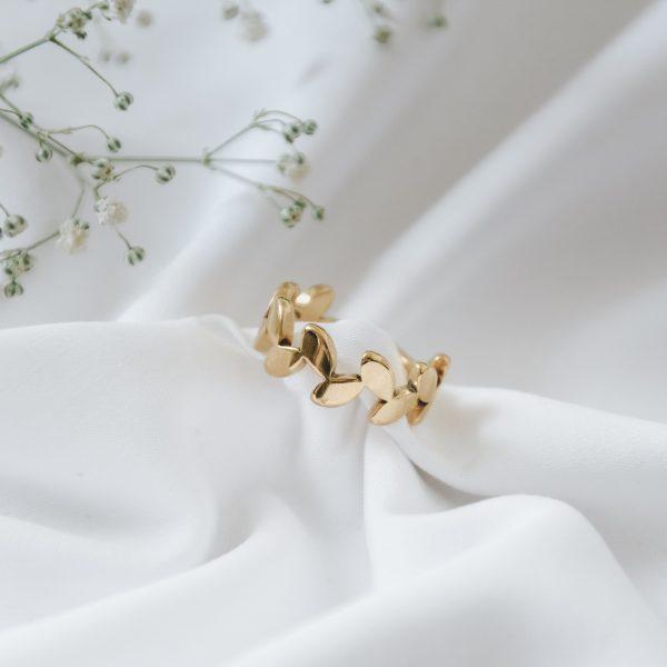 Anel em Aço Dourado com Folhas